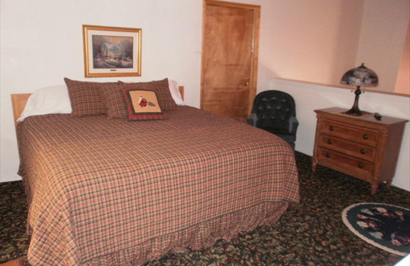 Guest Room at Lifts West Condominium Hotel