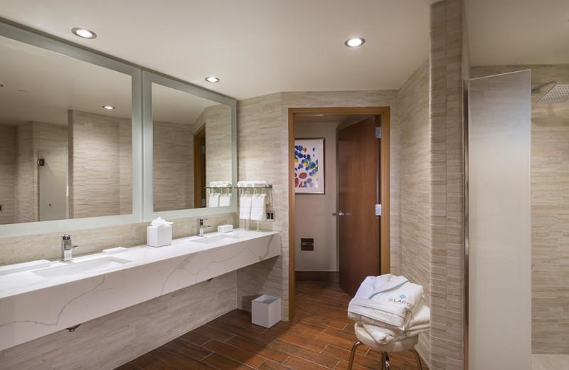 Guest bathroom at Del Lago Resort & Casino.
