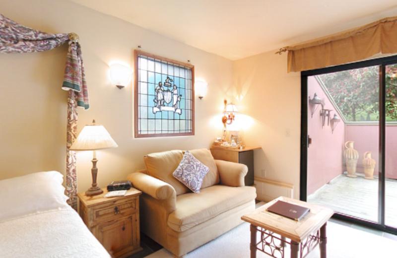 Deluxe Villa room at Sonoma Coast Villa & Spa Resort.