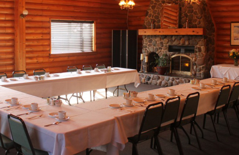 Meeting room at All Season's Inn & Restaurant.