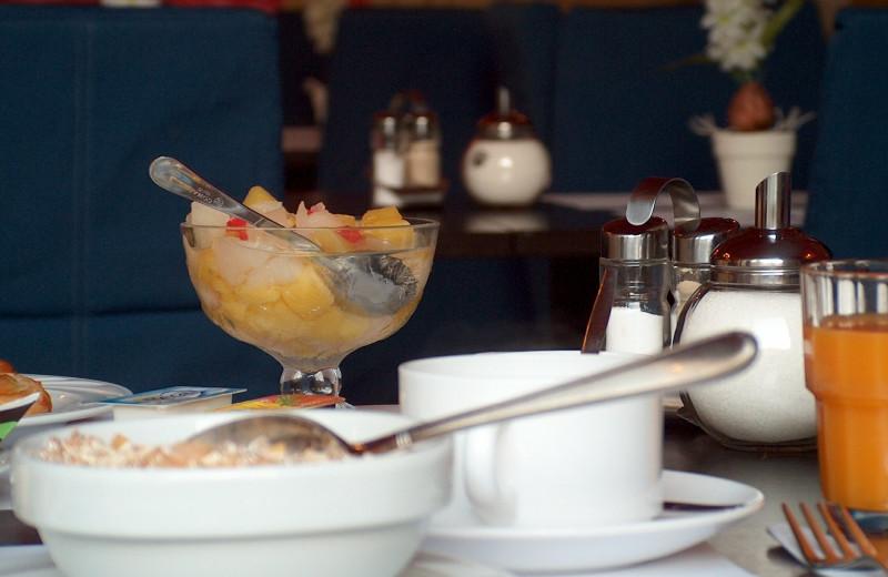 Breakfast at Hôtel Royal Albert.