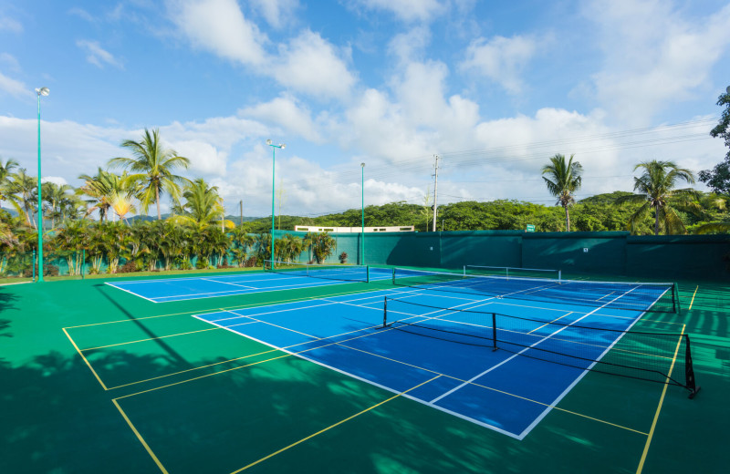 Tennis court at La Isla - Casa del Mar.