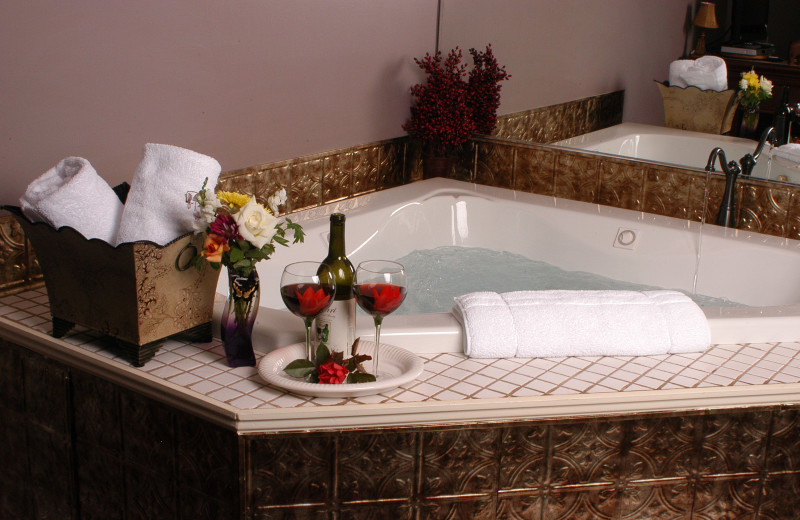 Hot tub at Annville Inn.