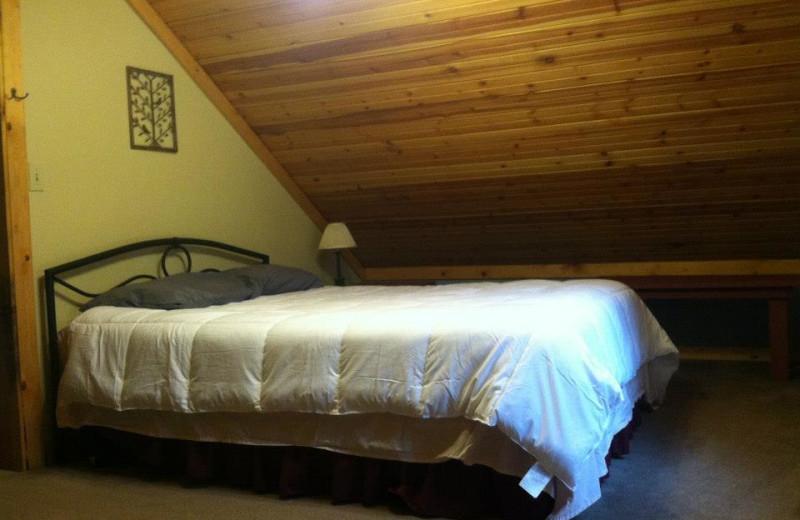 Cabin bedroom at Big Pine Retreat.