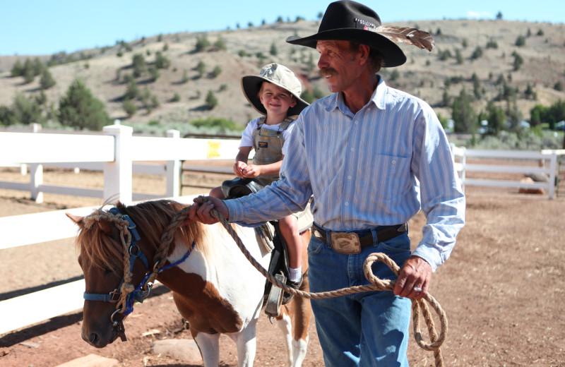 Horseback riding lesson at Kah-Nee-Ta Resort and Spa.