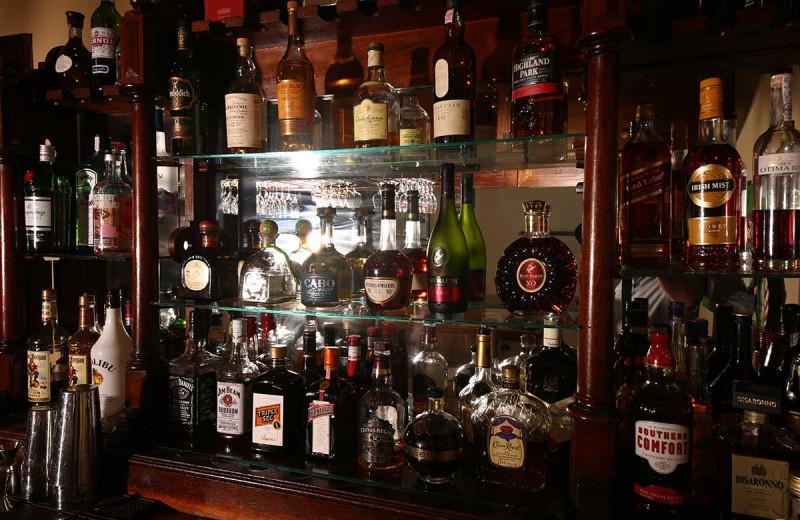 Bar at Sir Sam's Inn & Spa.
