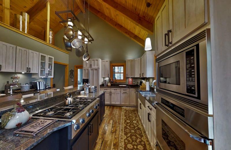 Gourmet Kitchen Luxury Cabin NC