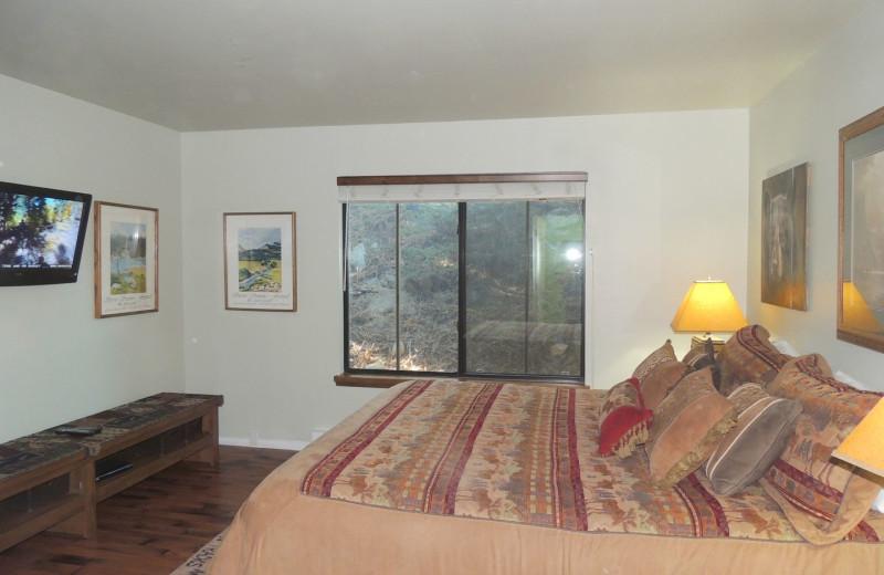 Rental bedroom at Seasons 4 Condominium Rentals.
