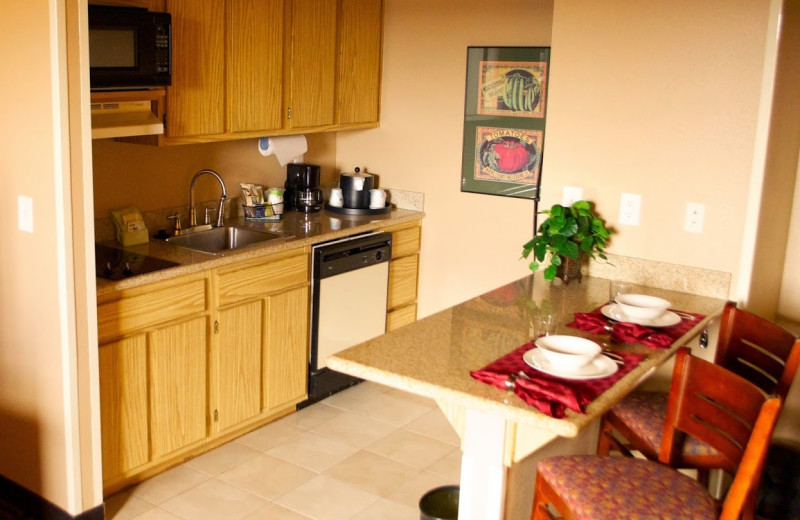 Guest room kitchenette at Hampton Inn & Suites Flagstaff.