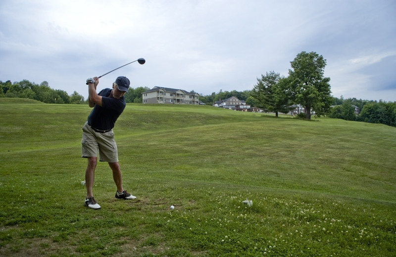 Golfing at Steele Hill Resort.