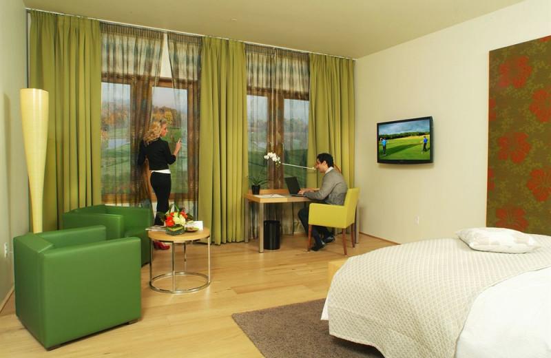 Guest room at Lenape Heights Golf Resort.
