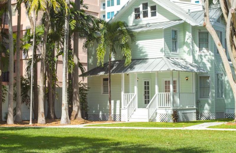 Exterior view of Miami River Inn.