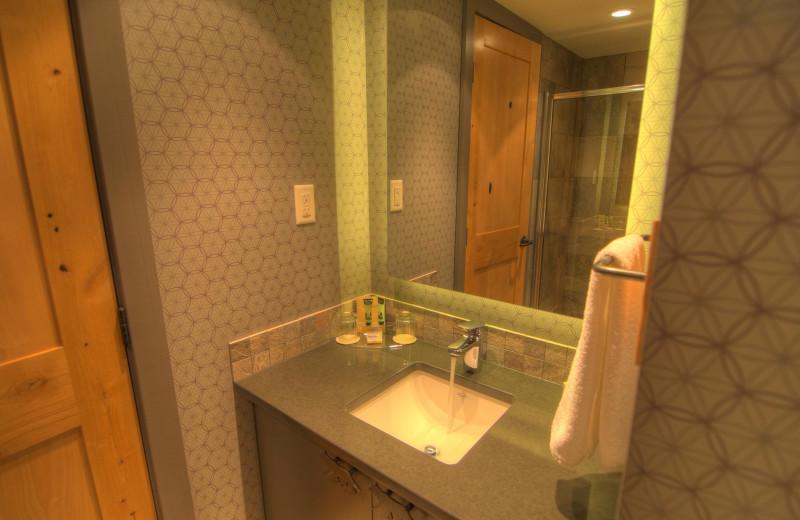 Guest bathroom at Banff Rocky Mountain Resort.