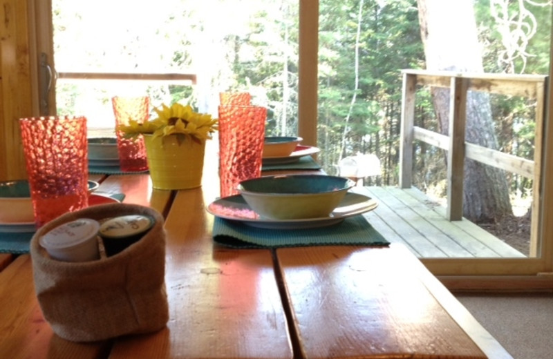 Cabin dining at Timber Wolf Lodge Cabins.
