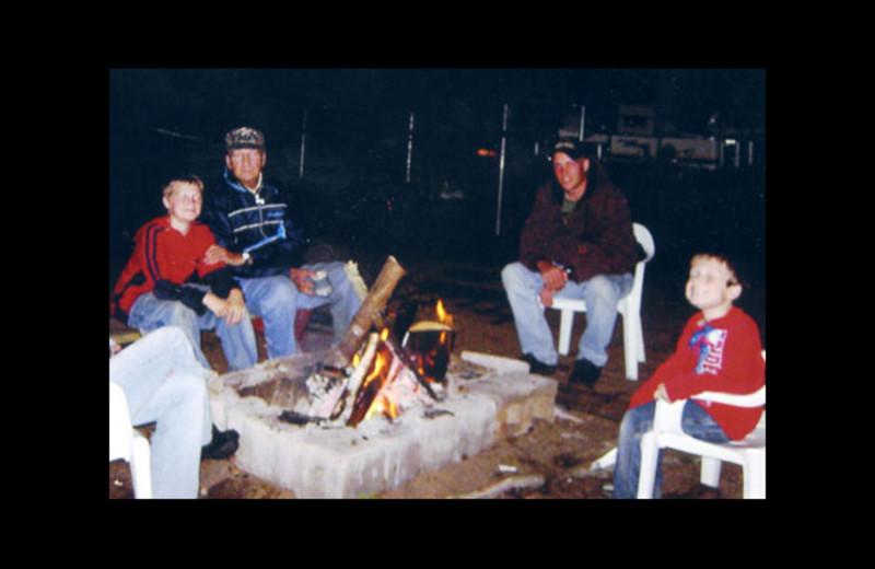 Family at Regnbue Haven Resort.
