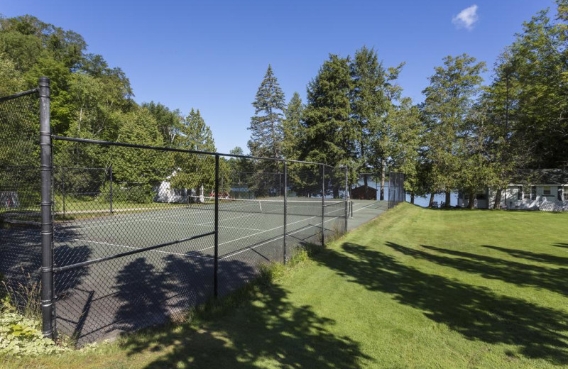 Tennis court at Sherwood Inn.