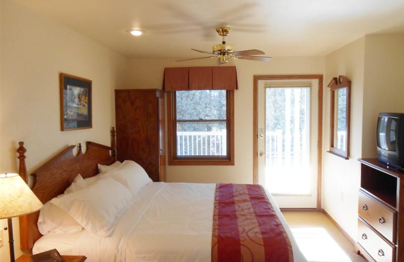 Guest bedroom at Pheasant Park Resort.
