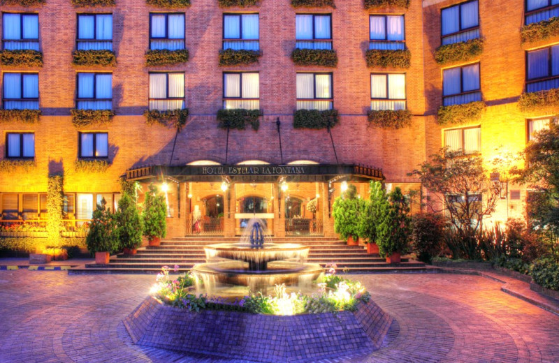 Exterior view of Hotel La Fontana.