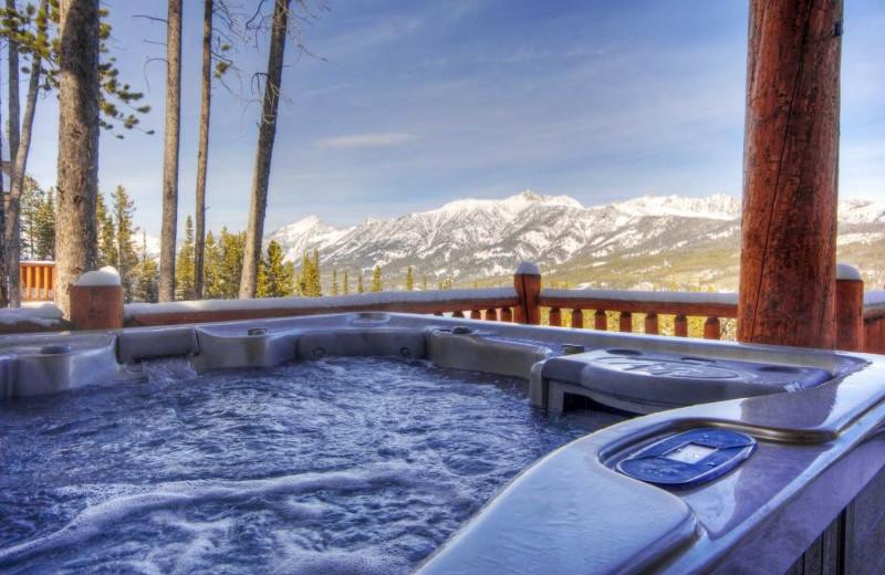 Rental hot tub at Moonlight Rentals in Big Sky.