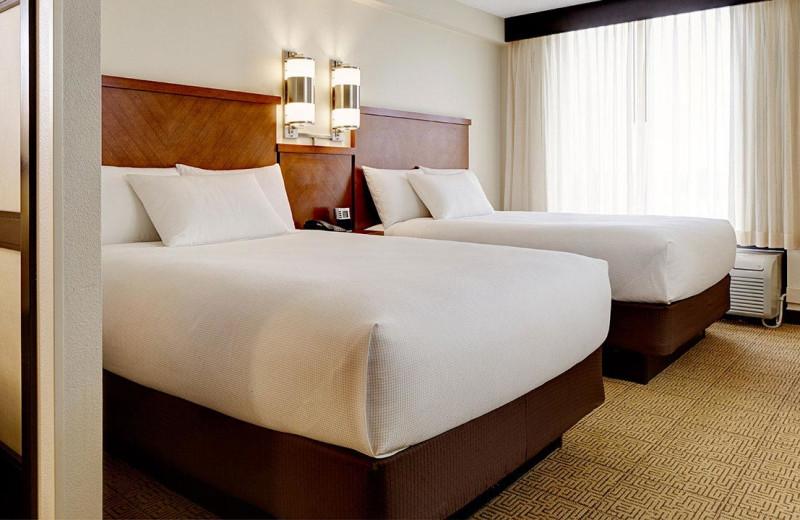 Guest room at Hyatt Place Fort Worth Hurst.