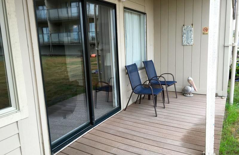 Guest deck at Hi-Tide Ocean Beach Resort.