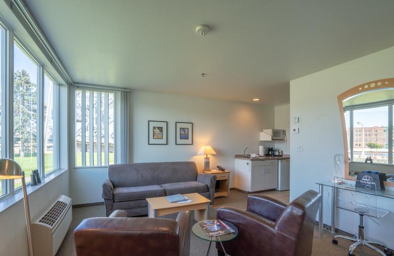 Guest living room at South Pier Inn.