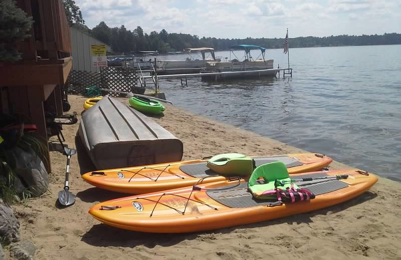 Boat rentals at Lake Cabins Resort.