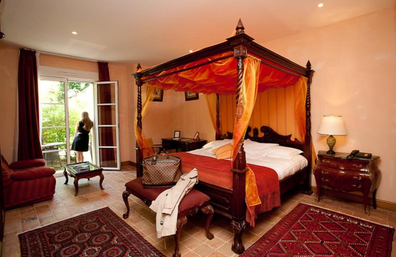 Guest room at Les Hauts de Sainte Maure.