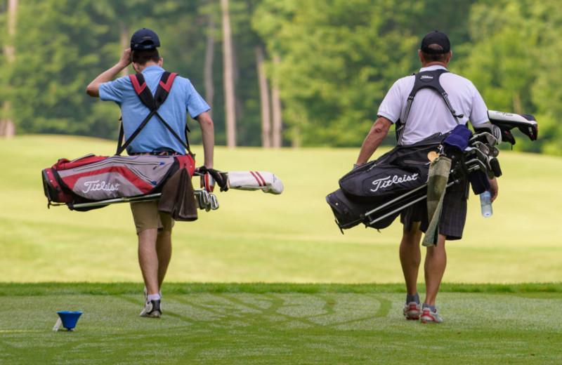Golf at Port Cunnington Lodge & Resort.
