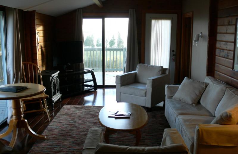 Cottage living room at Eganridge Resort, Country Club & Spa.