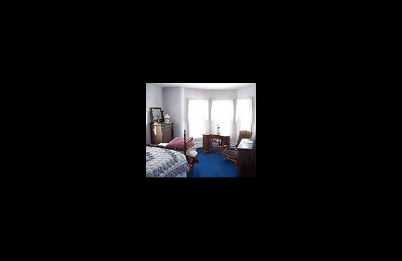 Guest room at Knapping Knapp Bed & Breakfast.