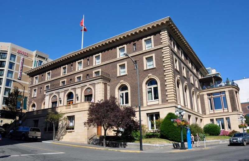 Exterior view of The Union Club of British Columbia.