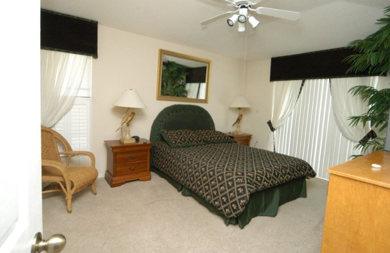 Vacation rental bedroom at Elite Vacation Homes.