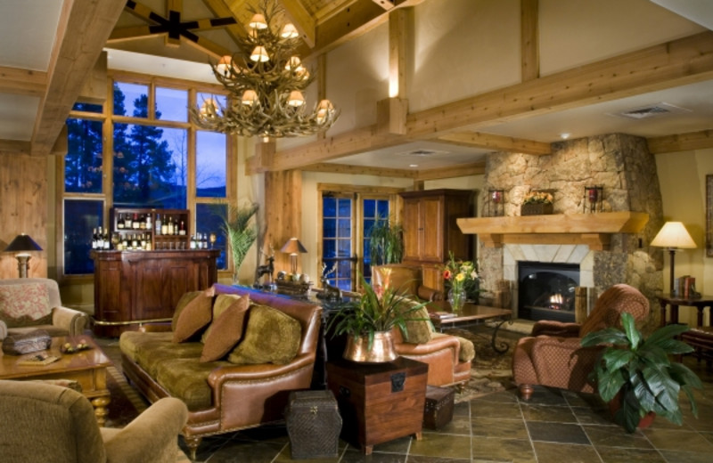 Lobby view at Mountain Thunder Lodge.
