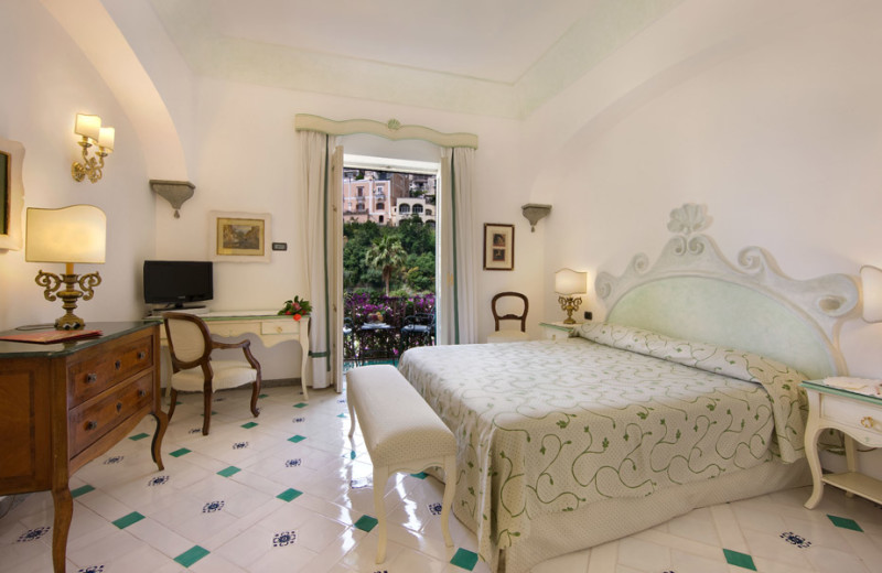 Guest room at Hotel Palazzo Murat.