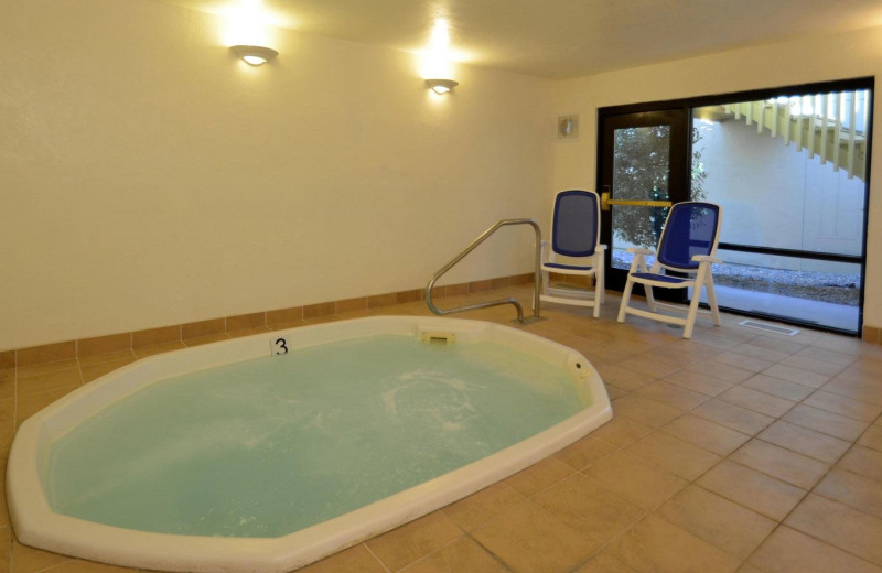 Indoor whirlpool at Quality Inn & Suites Coos Bay