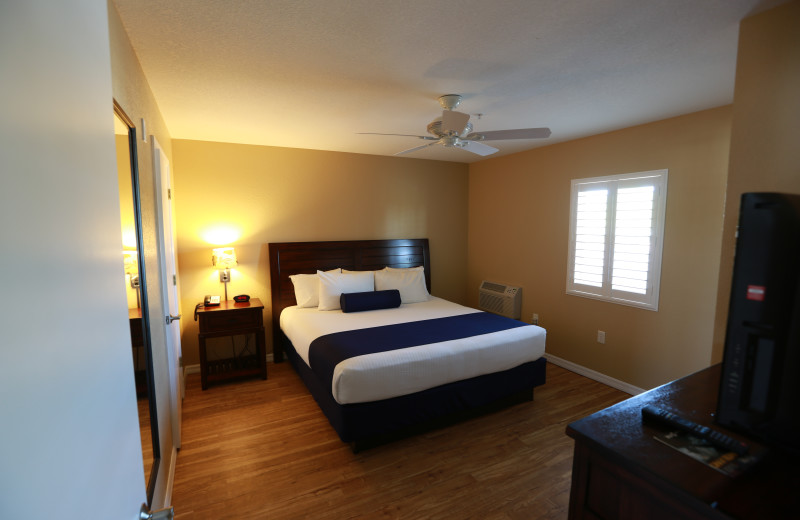 Guest bedroom at Shoreline Island Resort.