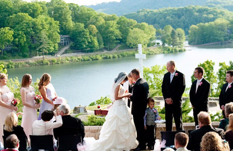 Wedding ceremony at Lake Junaluska Conference & Retreat Center.