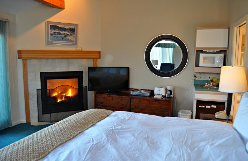 Guest room at Nordic Village Resort.