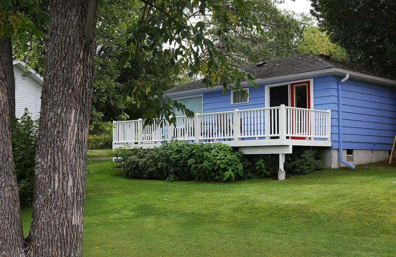 Cabin exterior at Bayview Wildwood Resort.