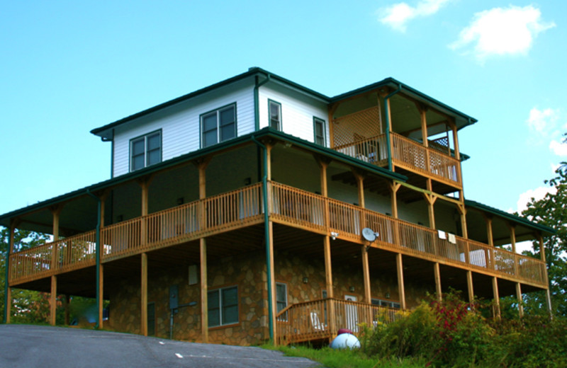 Vacation rental exterior at Cobbly Nob Rentals.