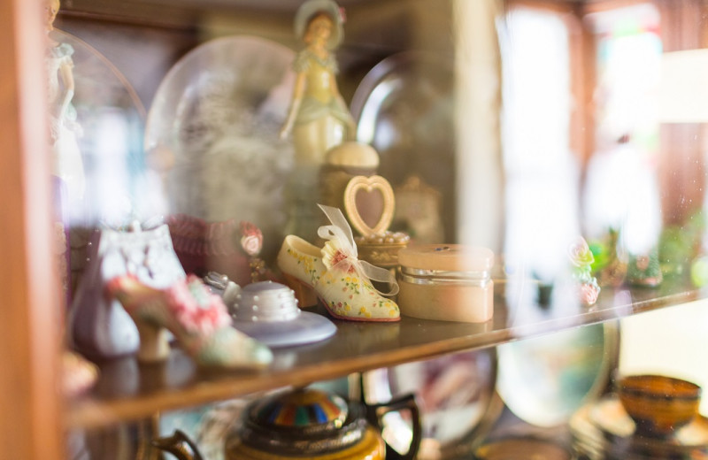 Collectables at Antique Rose Inn.