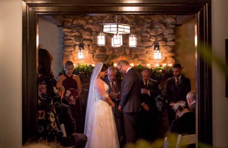 Weddings at Sir Sam's Inn & Spa.