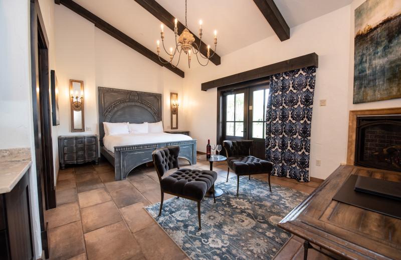 Guest room at Gervasi Vineyard Luxury Overnight Accomodations.