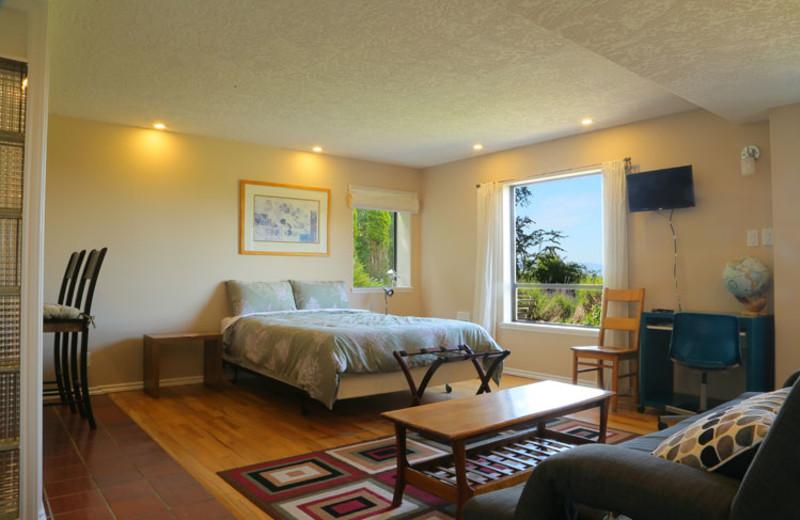 Guest room at Gordon's Beach Farm Stay B&B.