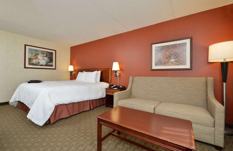 Guest room at Hampton Inn East Aurora, NY.