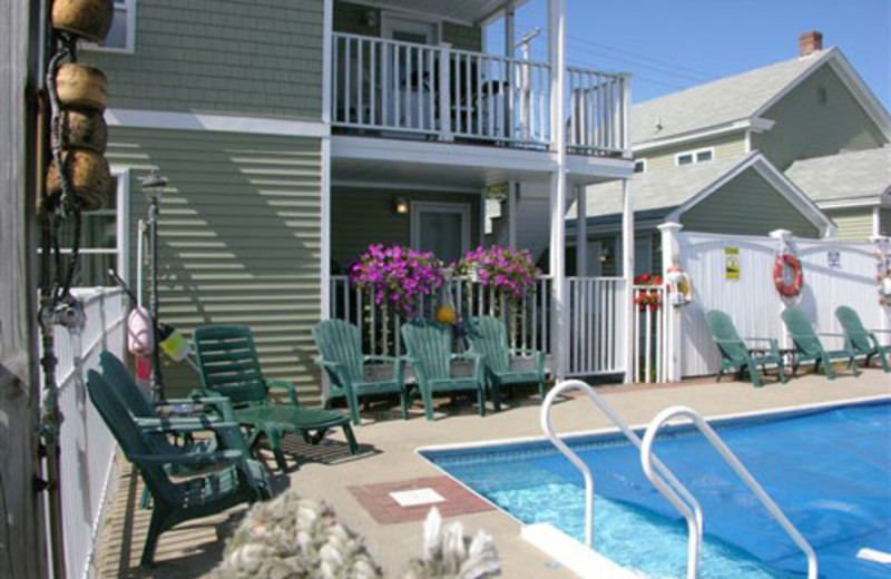 Outdoor pool at Moontide Motel, Cabins and Apartments.