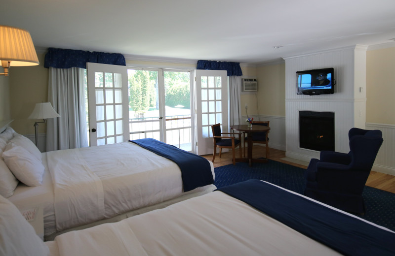 Guest room at Colonial Inn.