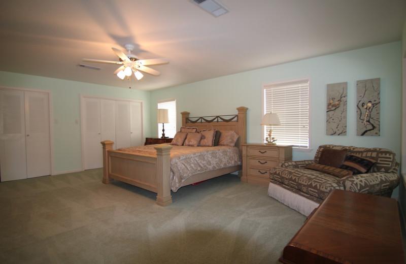 Azure Relaxin on LBJ Big House Master Bedroom