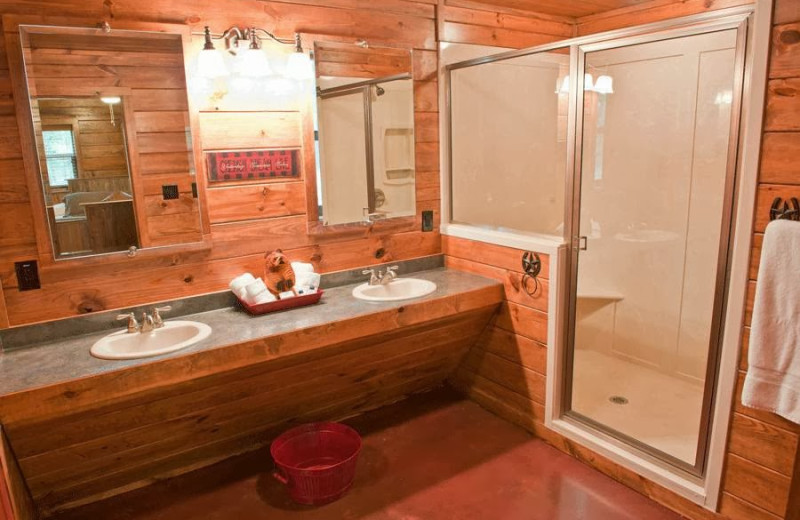 Cabin bathroom at Remember When Cabins.